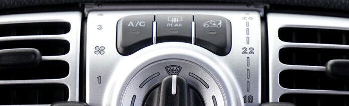 Odgrzybianie układu klimatyzacji w samochodzie