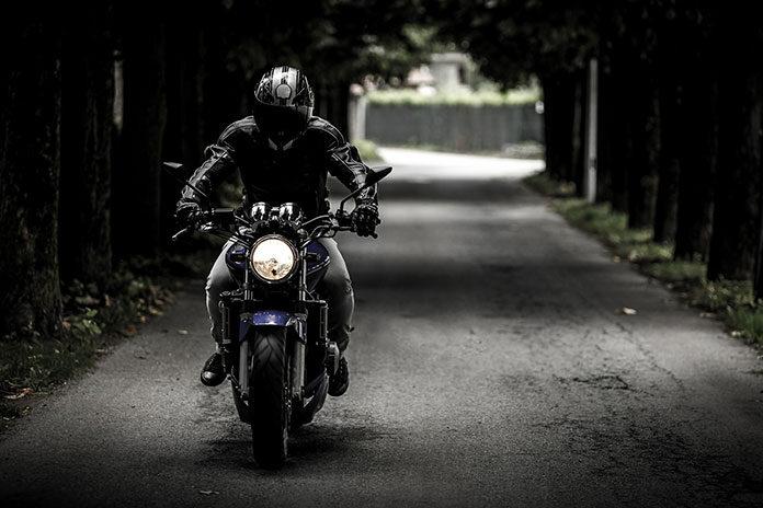 Trzy sprawdzone pomysły na prezent dla fanów motocykli